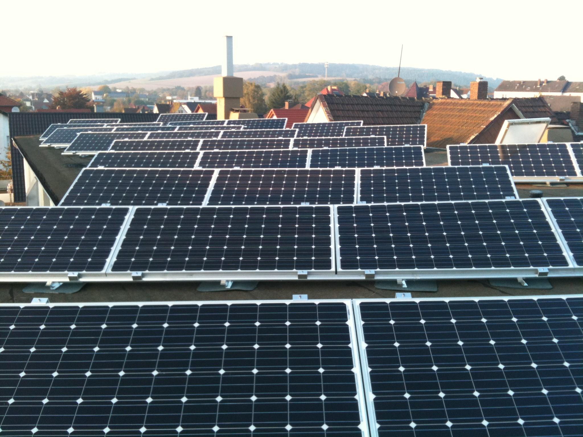 Errichtung einer Photovoltaikanlage auf dem Werkstattdach