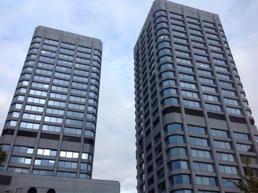 Aluminiumfluchttüren, Innentüren, Brandschutztüren und Innenausbau: Bonifaziuszwillingstürme Mainz