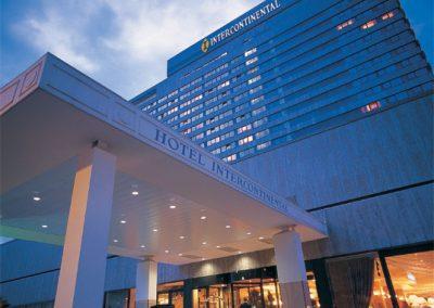 Aluminiumfassade, -fenster und -haustüren: Hotel InterContinental Frankfurt a.M.