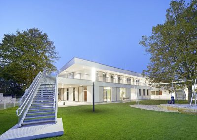 Holz-Aluminiumfenster und -haustüren: KiTa & Familienzentrum Gerlingen