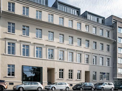 Holzfenster und Holzhaustüren: Max-Baum-Immobilien FFM