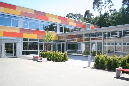 Holz-Aluminiumfenster: Carl-Kellner-Schule Braunfels