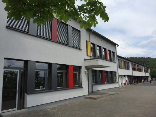 Holz-Aluminiumfenster und -haustüren: Waldschule Marburg-Wehrda