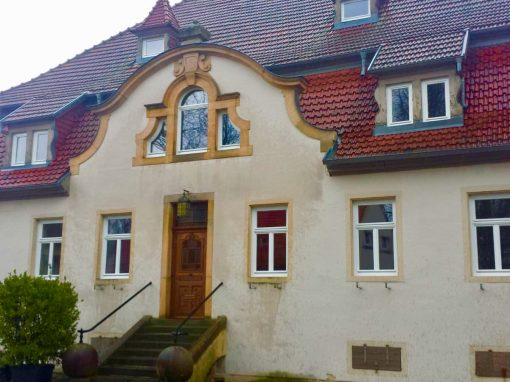 Holzfenster und Holzhaustüren: Julius-Kühn-Institut Siebeldingen
