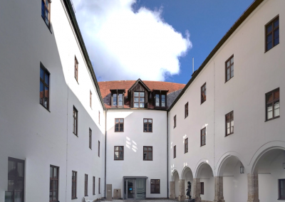 Holzfenster: Finanzamt Starnberg